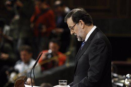 """Rajoy asegura que la sanidad española """"funciona bien"""" pero critica los recortes en Andalucía"""