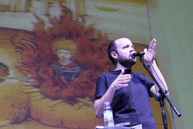 El cómico Miguel Noguera, en plena actuación.
