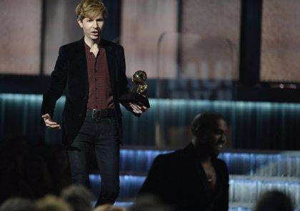 """Kanye West elogia el último disco de Beck: """"Es realmente bueno"""""""