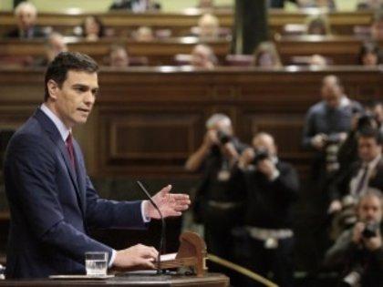 PSOE urge al Gobierno a hacer caso al Defensor del Pueblo y ampliar el permiso de paternidad