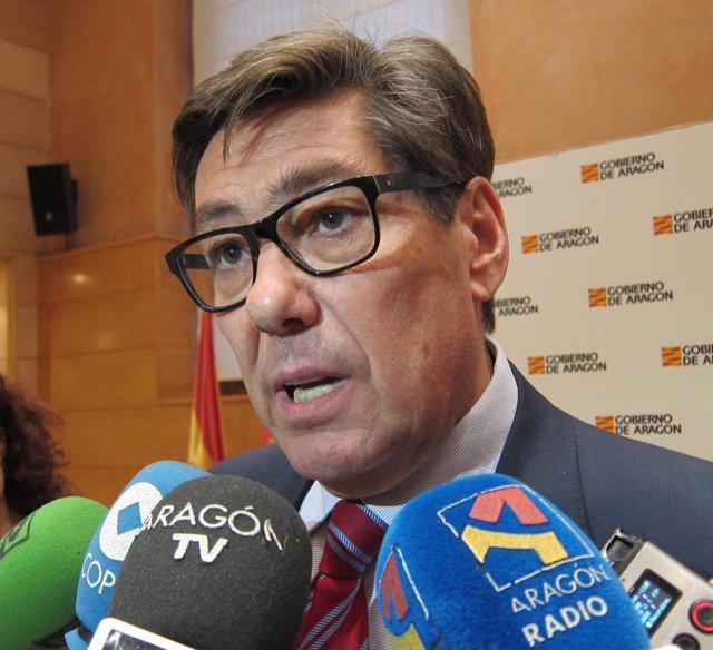 El consejero de Industria de Aragón, Arturo Aliaga