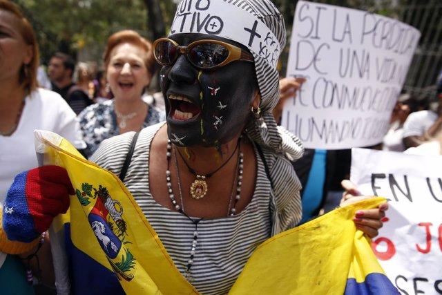 Protesta en Caracas por la muerte de un niño a manos de la Policía
