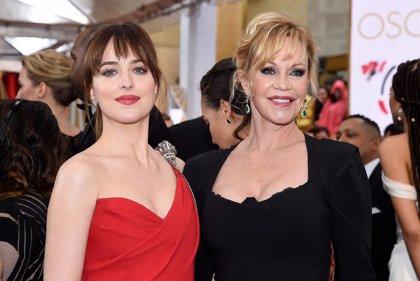50 sombras de Grey: Dakota Johnson ruega Melanie Griffith, su madre, que vea la película