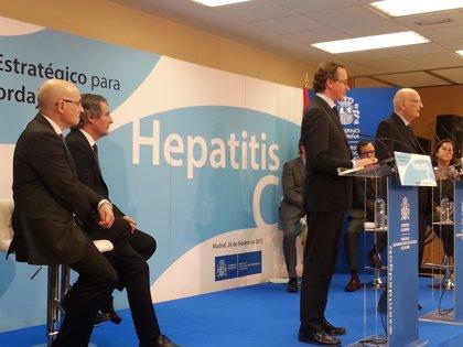 El plan de la hepatitis C destinará 727 millones para tratar a 52.000 pacientes