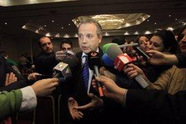 """Carmona acusa a Botella de dejar en la calle a los vecinos de Ofelia Nieto y pide soluciones """"inmediatas"""" para ellos"""