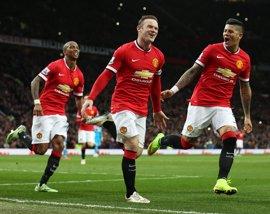 El United se coloca tercero con doblete de Rooney