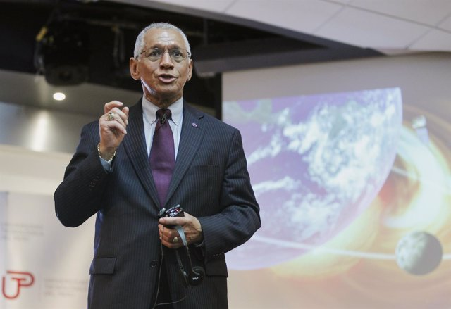 NASA administrator Charles Bolden speaks during a presentation to students about
