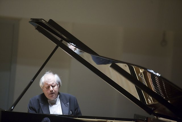 El pianista ruso Sokolov