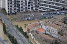Tudela y Buñuel siguen con calles inundadas por el desbordamiento del Ebro, cuyo nivel desciende muy poco a poco