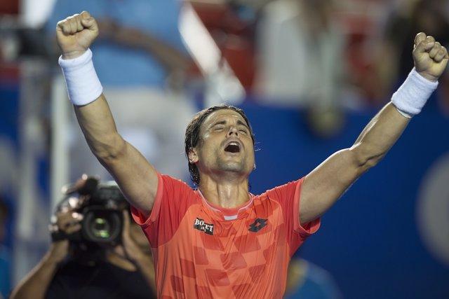 David Ferrer celebra su triunfo ante Tomic en Acapulco