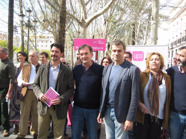 De la Herrán y Cantó durante un acto en Sevilla