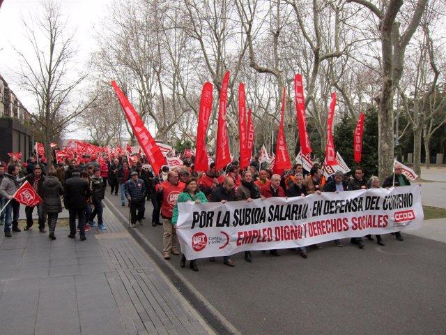 Manifestación en Valladolid por la subida salarial y el empleo digno