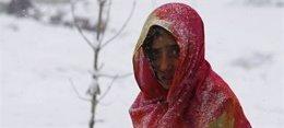 Ascienden a 220 los muertos por las avalanchas en Afganistán a causa de las inte