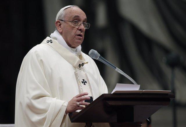 El Papa Francisco dando un discurso