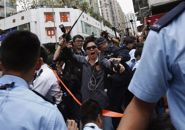 Detenidas 36 tras unos enfrentamientos en Hong Kong