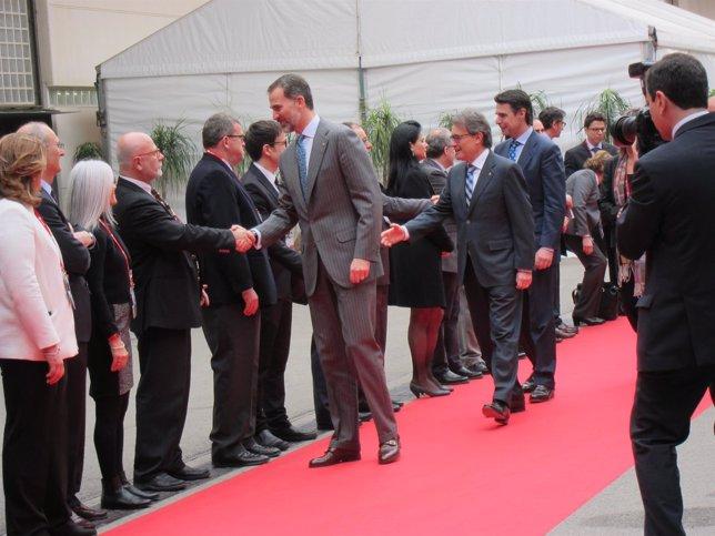 Rey Felipe, pte.Generalitat Artur Mas, ministro José Manuel Soria en el X MWC