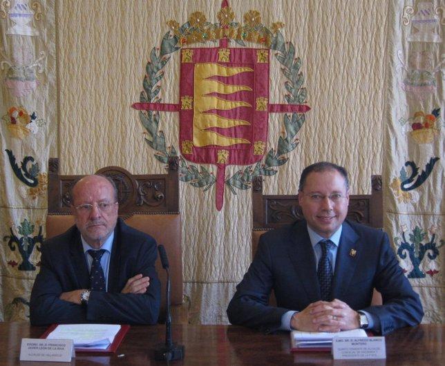León de la Riva y Alfredo Blanco presentan la liquidación presupuestaria de 2015