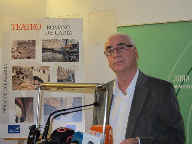 Alonso en declaraciones a los medios en Cádiz