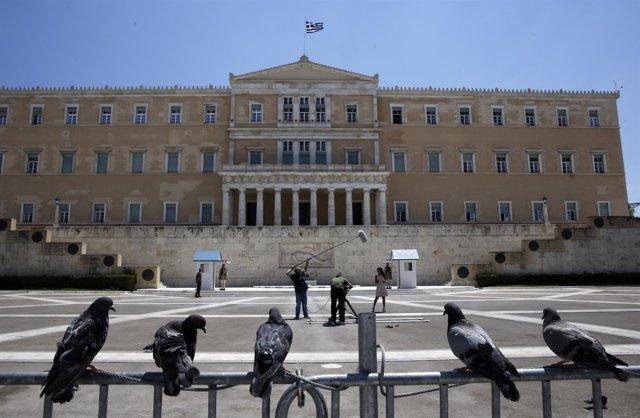 Parlamento griego desde la plaza Syntagma