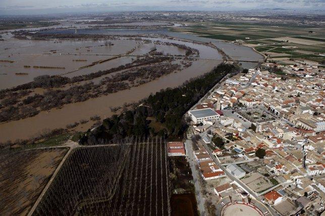 Uno de los municipios de la ribera afectados por la crecida del Ebro