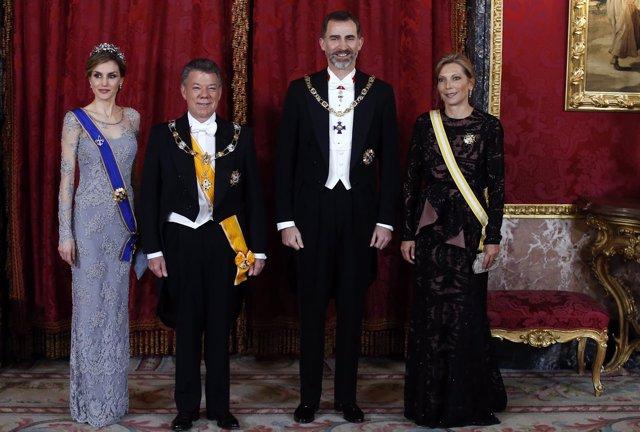 El Rey Felipe VI con Juan Manuel Santos