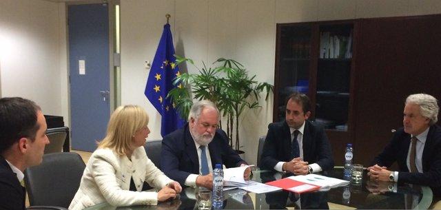 García-Pelayo y Arias Cañete, en Bruselas