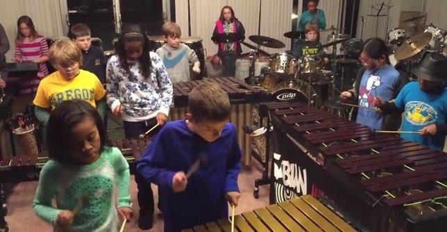 Niños percusionistas