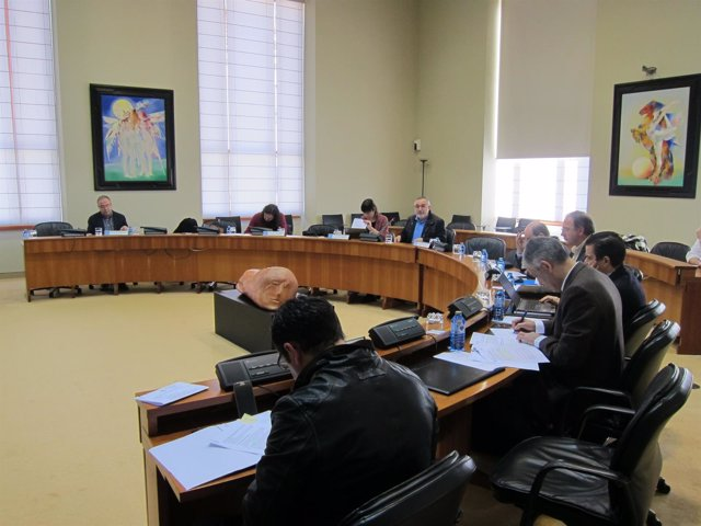 Comision Parlamento de Galicia debate sobre desahucios
