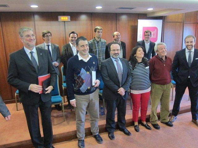 Foto de grupo de candidatos de UPyD a las municipales en Galicia