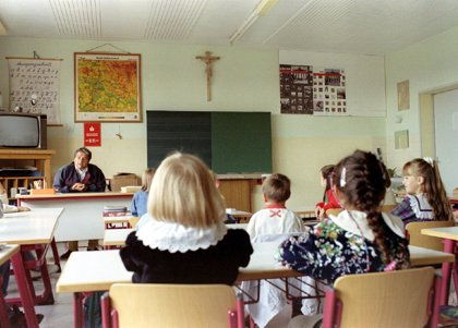 """La OCDE alerta de """"nuevas brechas de género"""" en educación"""