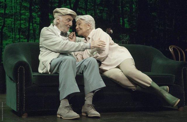 Lola Herrera y Héctor Alterio en la obra 'En el estanque dorado'