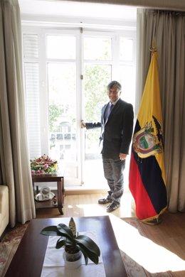Embajador Ecuador, Miguel Calahorrano