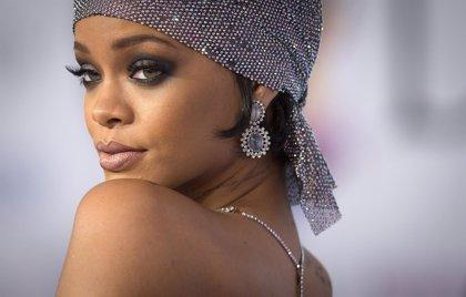 Rihanna muestra dos nuevas canciones: Higher y American Oxygen