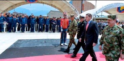 """Militares que negocian en La Habana """"están por encima"""" de las FARC"""