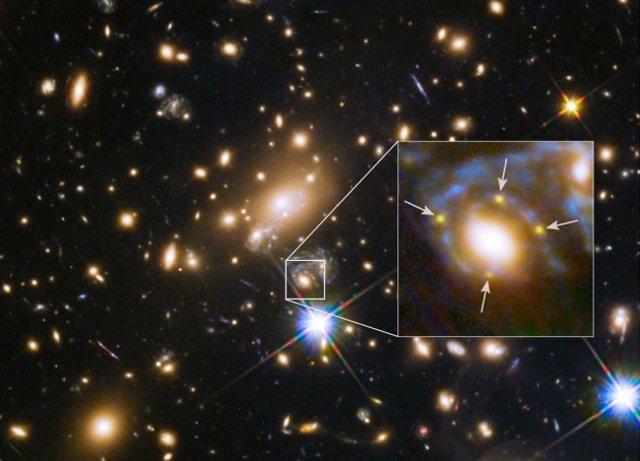 La supernova Refsdal aparece cuatro veces en una imagen