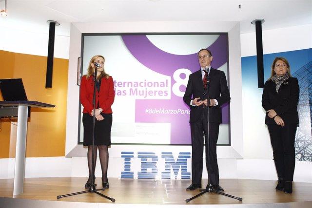 Alfonso Alonso celebra el Día Internacional de la Mujer en IBM