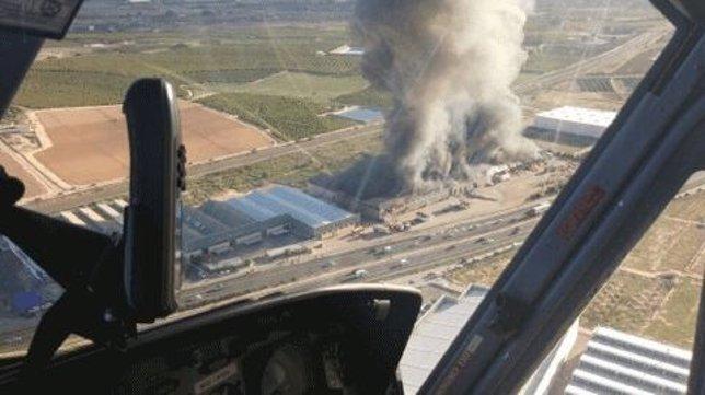 Imagen del incendio desde un helicóptero
