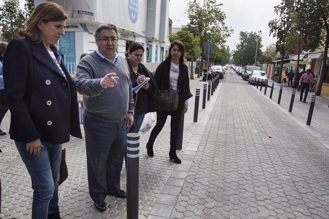 El alcalde de Sevilla, Juan ignacio Zoido, durante su visita