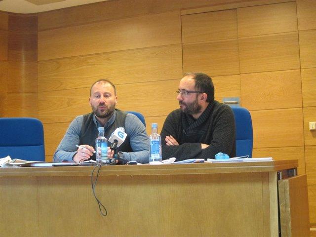 El diputado de AGE, Ramón Vázquez, y Roi Cagiao, de EU