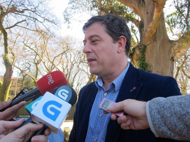 El secretario xeral del PSdeG, José Ramón Gómez Besteiro, hace declaraciones