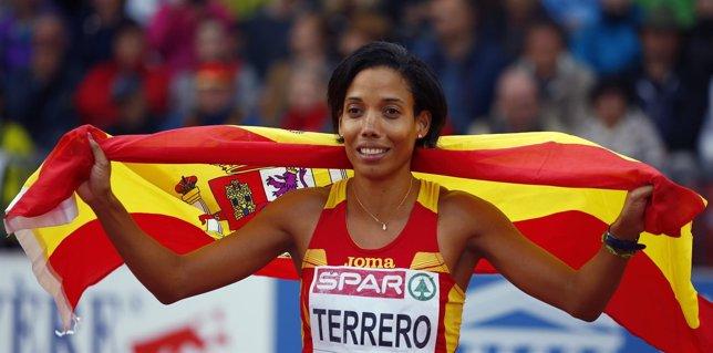 La atleta española Indira Terrero, plata en los 400 metros del Europeo de Praga