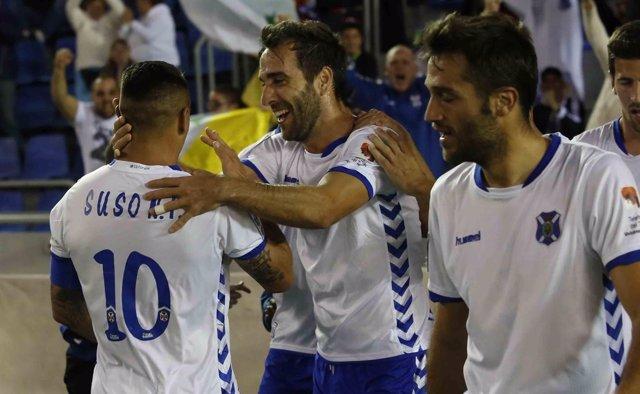 El Tenerife coge aire en la Liga Adelante