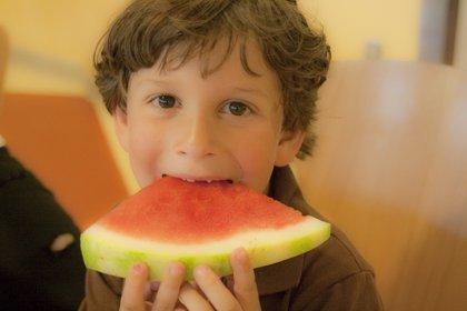 Comer bien para prevenir el cáncer... Desde niños