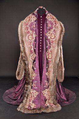 Catalogo, costumes, exposición sobre Isabel la Católica en Valladolid