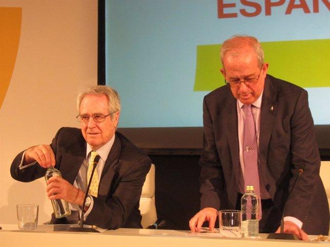 Fernando Casado, del consejo empresarial para la competitividad, a la izquierda