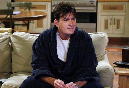 """Charlie Sheen: """"El final de Dos hombres y medio fue estúpido e inmaduro"""""""