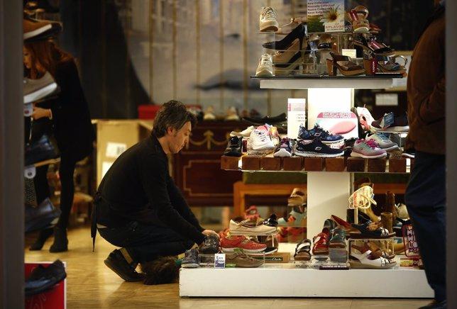 Consumo, trabajador, autónomo, paro, empleo, epa, zapatos, tienda