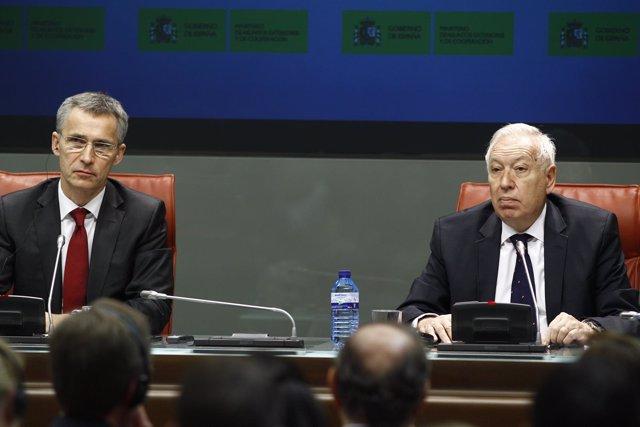 José Manuel García-Margallo y Jens Stoltenberg, secretario general de la OTAN