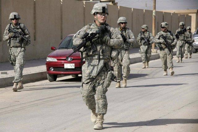 Soldados De EEUU De Patrulla Por Irak