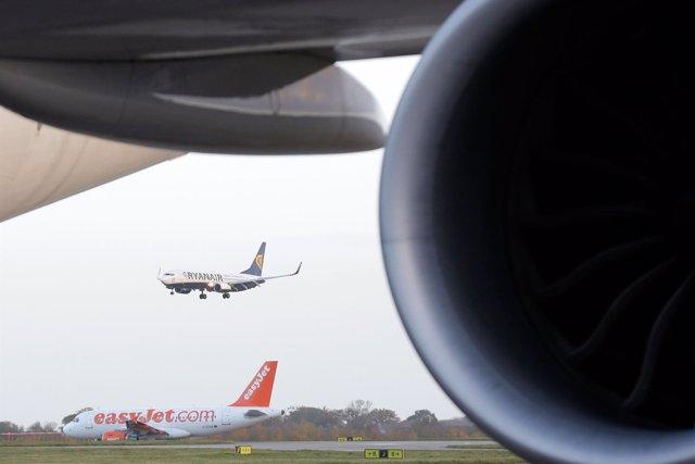 Compañías de Ryanair y EasyJet